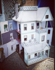 DOLLS HOUSE - Large Antique Style